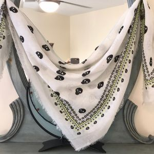Ladies skull scarf. Perfect for Spring.